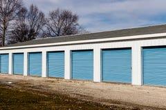Stockage numéroté d'individu et mini unités de garage de stockage IV image stock