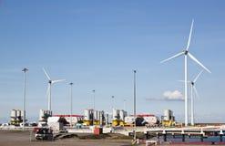 Stockage pour des composants de moulin à vent, Eemshaven, Hollande Photographie stock
