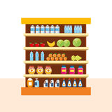 Stockez les produits alimentaires, le centre commercial, compteur avec des nourritures - légumes, fruits Photo libre de droits