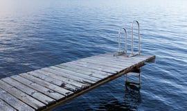 Stockholm-Archipel - leere badenplattform Stockfotos