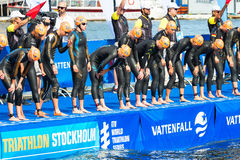 STOCKHOLM - AUG, 24: Just before the start and the triathletes i Royalty Free Stock Photos