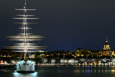 Stockholm bij nacht stock foto