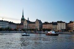 Stockholm in de avond royalty-vrije stock afbeeldingen