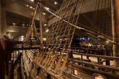 STOCKHOLM - JANUARI 6: 17th århundradeVasakrigsskepp som bärgas från Arkivfoton