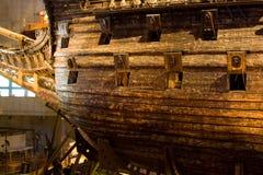 STOCKHOLM - JULI 24:  Vasakrigsskepp som bärgas från havet på museet i Stockholm Arkivfoto