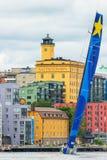 STOCKHOLM - JUNI, 30: SegelbåtEsimit Europa 2 avgår från Stoc Arkivfoto