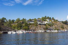 Stockholm par l'eau : Skurusundet Nacka Images libres de droits