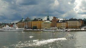 STOCKHOLM - SIKT AV HAVET PÅ DEN GAMLA STADEN lager videofilmer