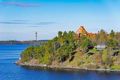 Stockholm skärgård på den soliga morgonen Royaltyfri Bild