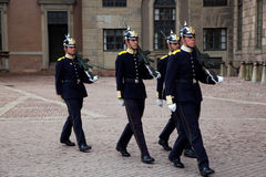 Stockholm, Suède. Une modification royale quotidienne de dispositif protecteur. Photos stock