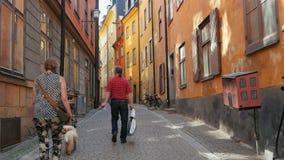 STOCKHOLM - SVERIGE, AUGUSTI 2015: gammal stadssikt arkivfilmer