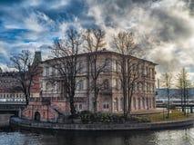 Stockholm Sverige - mars 2019: Byggnad av det internationella institutet för demokrati och val- hjälp arkivbild