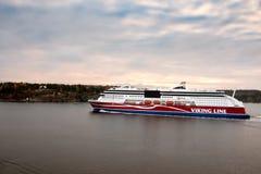 STOCKHOLM SWEDEN-OCTOBER 26: Viking Line färjaflöte på fjordar av Östersjön, Sverige OKTOBER 26 2016 Viking Line av stamgästen fl Royaltyfri Bild