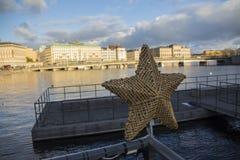 Stockholm um Weihnachtszeit ist- von den netten kleinen Noten so voll stockfotografie