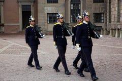 Stockholm, Zweden. Een dagelijkse koninklijke wachtverandering. Stock Foto's
