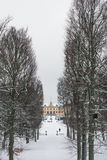 STOCKHOLM, ZWEDEN - JANUARI 7, 2017: Mening over het Paleis en het park van Drottningholm op de winterdag Huiswoonplaats van Zwee Stock Foto's