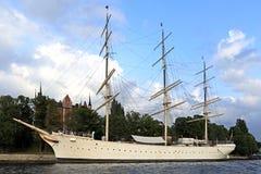 Stockholm, Zweden, Skeppsholmen-eiland - jacht die als gastheer dienen Stock Foto