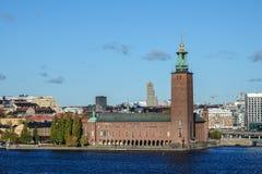 StockholmRathaus auf schwedisch: Stockholms stadshus oder Stadshuset am Ort stockbild