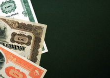 Stocks sur le fond vert Photo libre de droits