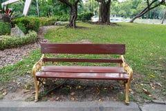 Stoel in het park Stock Foto's