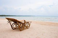 Stoel op het strand. Royalty-vrije Stock Afbeeldingen