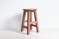 Stoel van hout wordt gemaakt dat Stock Foto