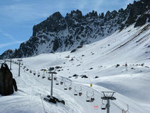 Stoeltjeslift in de winter Stock Afbeelding