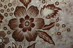 Stof met bloemenbatikpatroon Stock Afbeeldingen