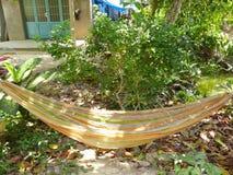 Stoffenhangmat het hangen in Vietnam Royalty-vrije Stock Fotografie