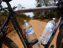Stoffige weg in Oeganda Royalty-vrije Stock Foto