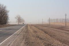 Stofstorm in de vroege lente stock foto's