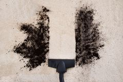 Stofzuiger schoonmakend tapijt Royalty-vrije Stock Afbeelding