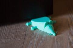 Stojak pod drzwi błękitna mysz Fotografia Royalty Free