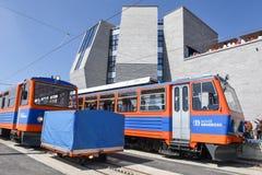Stojaka pociąg który dosięga szczyt góra Generoso Obraz Stock