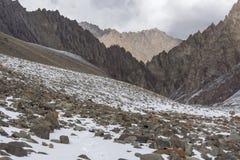 Stok Kangri от ландшафта гор Гималаев Стоковые Изображения RF