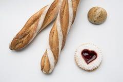 Stokbrood en ander gebak stock fotografie