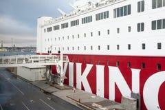 STOKCHOLM SWEDEN-OCTOBER 26: Färjan Viking Line förtöjas på förtöja i staden av Stockholm, Sverige OKTOBER 26 2016 Arkivbilder