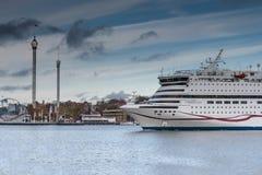 STOKCHOLM SWEDEN-OCTOBER 26: Färjan Viking Line förtöjas på förtöja i staden av Stockholm, Sverige OKTOBER 26 2016 Arkivbild