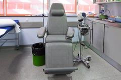 Stol i ett medicinskt rum Royaltyfria Bilder