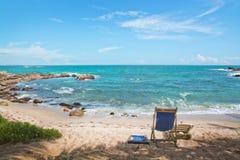 Stol på den sandiga stranden Royaltyfri Fotografi