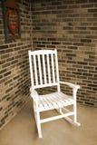 stol som vaggar vitt trä Royaltyfri Foto