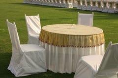 stolar som äter middag tabellen Royaltyfri Bild