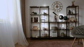 Stolec przy biurkiem z lampą i komputerem stacjonarnym w freelancer ` s wewnątrz zdjęcie wideo