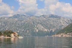 Stoliv und Perast auf der Küste der Bucht von Kotor in Montenegro Lizenzfreie Stockfotos