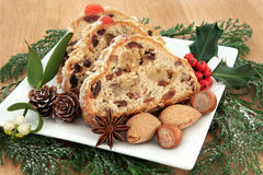 Stollen-Weihnachtskuchen Lizenzfreies Stockbild