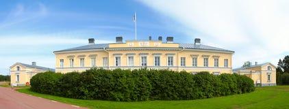 Stolpe & eget hus i Aland Arkivbilder
