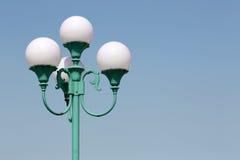 Stolpe för gatalampa Arkivfoton