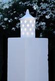 Stolpe för vit lampa Royaltyfri Foto