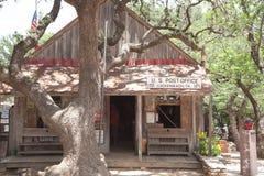 Stolpe - kontor i Luckenbach, Texas Arkivbilder