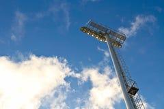 Stolpen för stadionfläckljus Arkivbilder